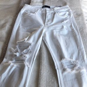 🎉 SALE 🎉 White Ripped Flare Jeans